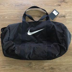 🎾 Nike Unisex Black Duffel Bag 🎾